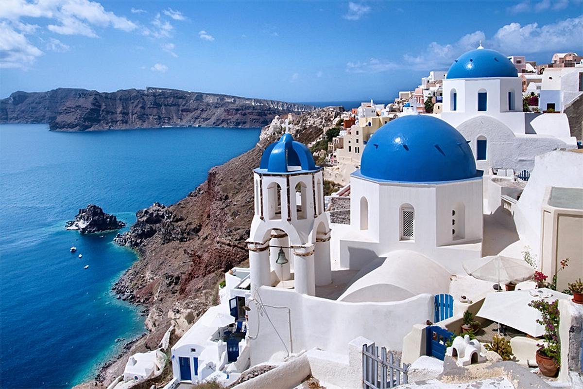 6H Mini Bus Tour - All the Highlights of Santorini